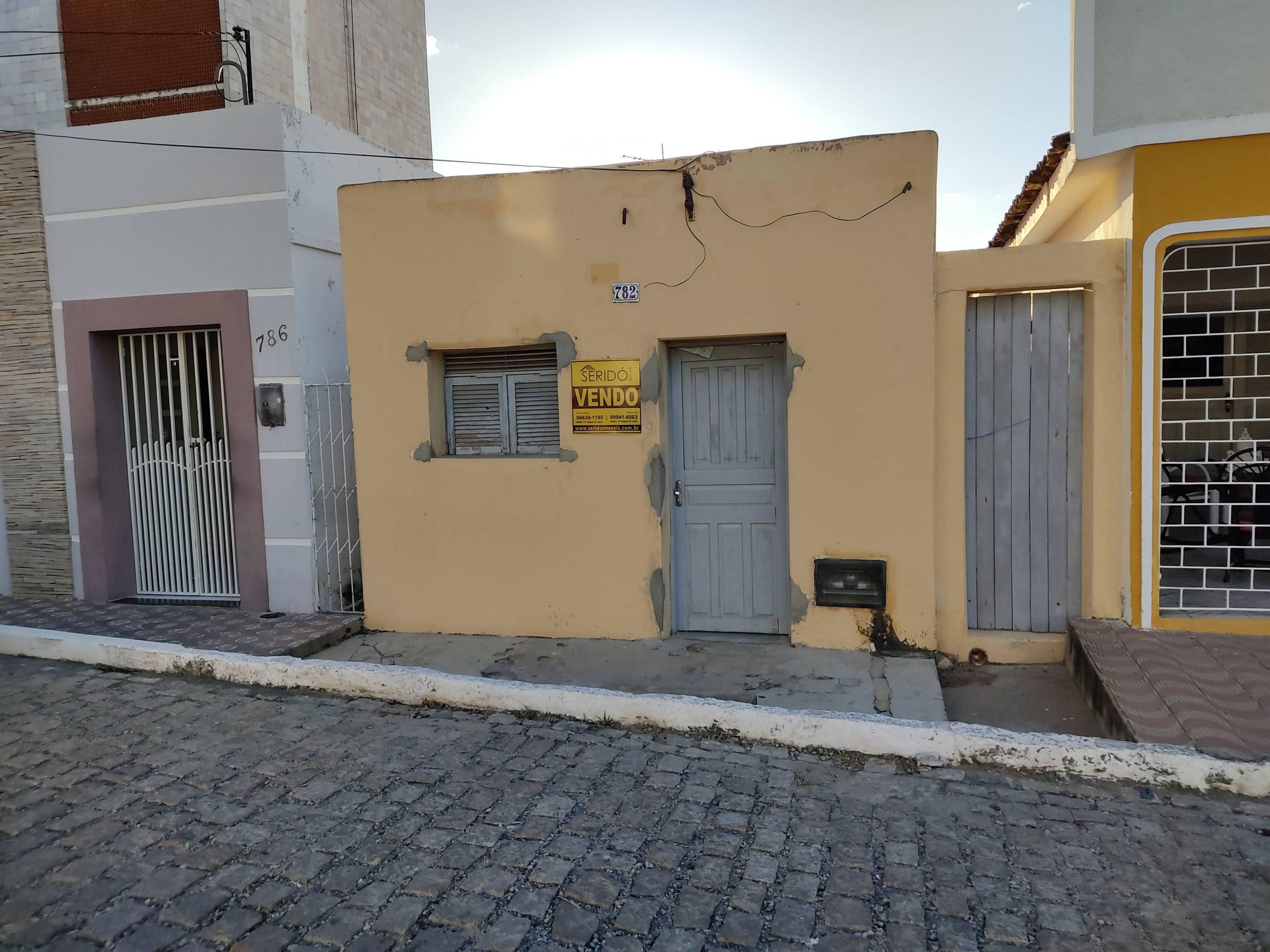Casa residencial na Av. Presidente Getúlio Vargas, 782