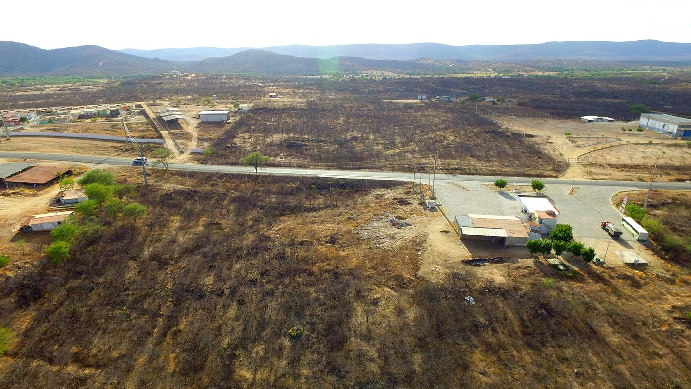 Terreno comercial com 12.000m²